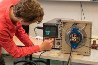 Elektromagnetismus_-_Generator